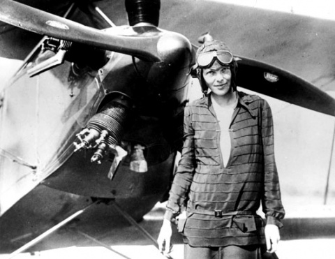 11 января 1935 года Амелия Эрхарт стала первым в мире человеком, в одиночку преодолевшим над Тихим океаном расстояние от Гавайских островов до Калифорнии.