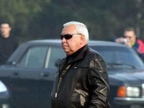 Генерал Муров, тусовавшийся в Куршавеле вместе с разыскиваемыми преступниками, уволен