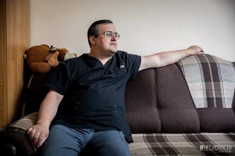 Новосибирский врач вживил под кожу шесть чипов
