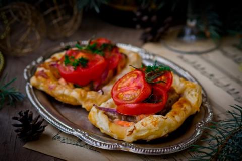 Рецепты на Новый год: Слойки с овощами и семгой