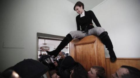 Сумасшествие в Верховной Раде Украины: Савченко устроила потасовку с Черновол