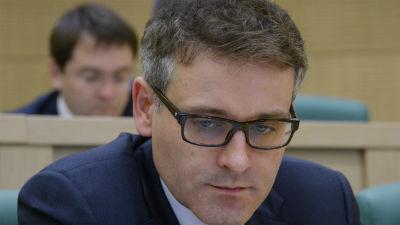 Сенатору Цыбко предъявили обвинения в получении взятки