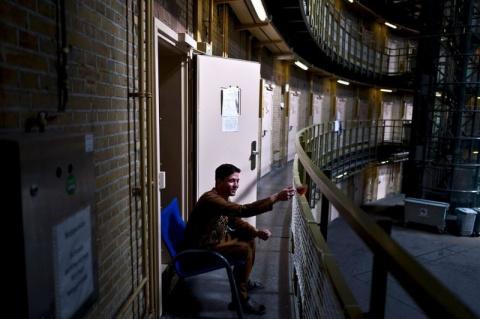 Голландские тюрьмы стали дом…