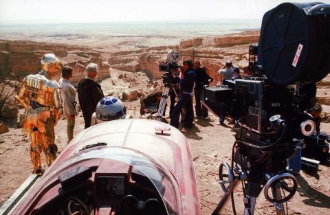"""25 потрясающих фотографий со съемок первых """"Звездных войн"""""""