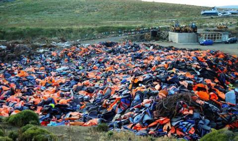 Греческие рыбаки: Беженцев п…