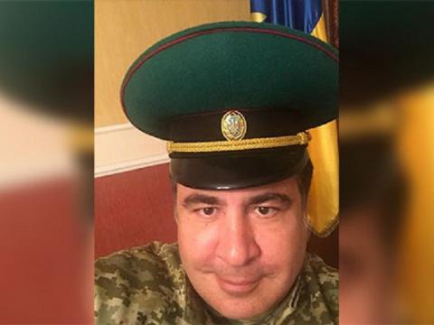 Как русские офицеры в армии …