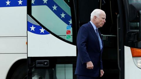 Маккейн заходит с фланга