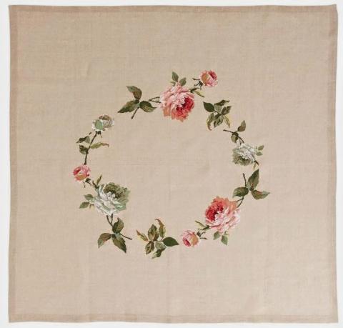 Льняная скатерть с розовым в…