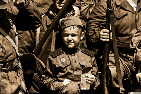 Шестилетний боец Серёжа Алёшков