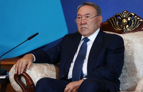 Назарбаев: в Казахстане появились признаки «цветных революций»