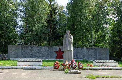 Памятники России матерям и вдовам погибших воинов