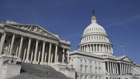 А не вписать ли антироссийские санкции в Конституцию США?