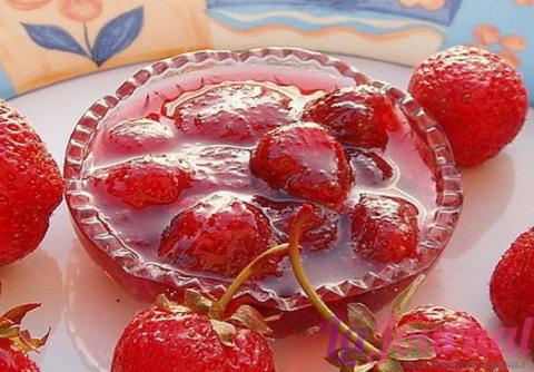 Клубничное варенье из замороженных ягод