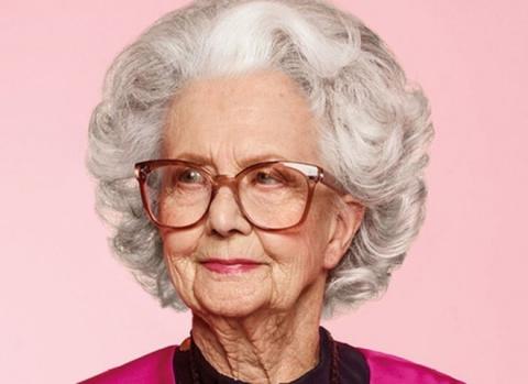 На страницах Vogue впервые появится 100-летняя манекенщица