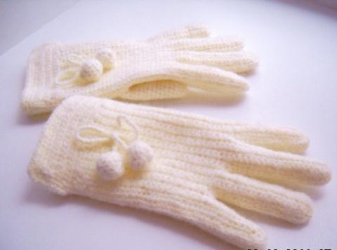 Перчатки связанные крючком.