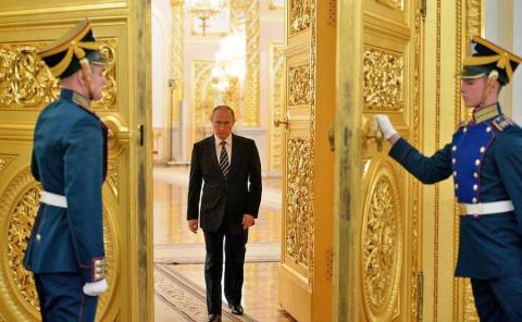 Запад назвал Путина царем