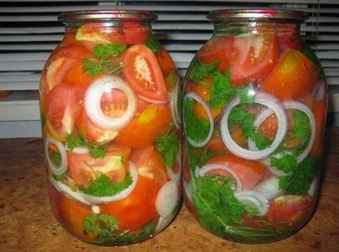 Маринованные помидоры с луко…