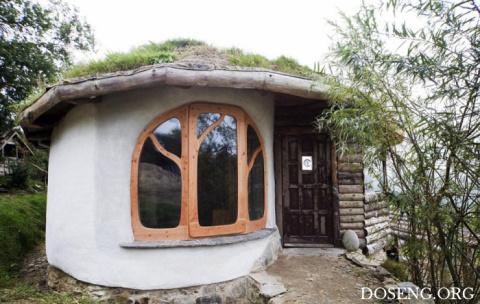 Молодая пара построила дом за небольшие деньги