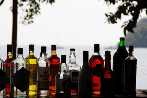 Поставки импортного алкоголя в Россию под угрозой