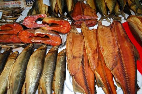 Полезно знать: вот в чем отличие рыбы горячего копчения от холодного