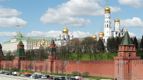 Кремль подтвердил обещание Путина помиловать экс-сенатора Изместьева