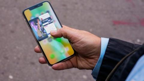 Почему iPhone X плохо продае…