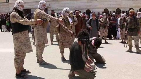 Трех боевиков ИГ казнили соо…
