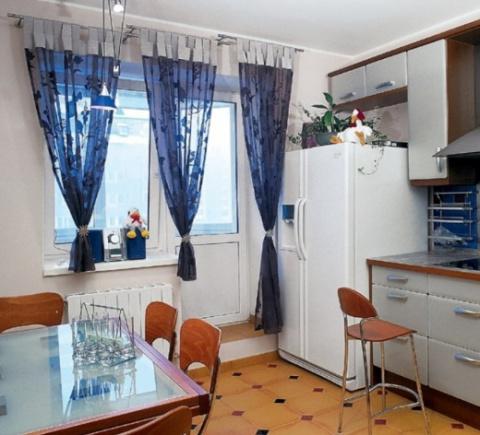 Как украсить шторы на кухне.