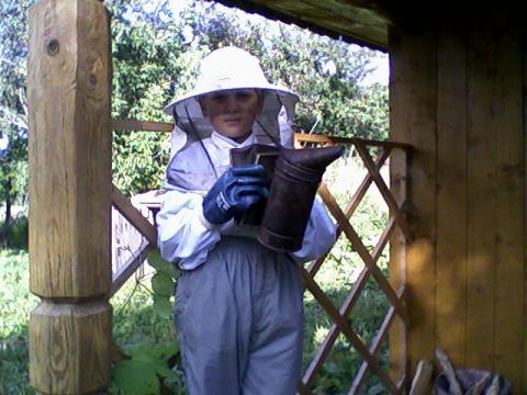 Юный пчеловод