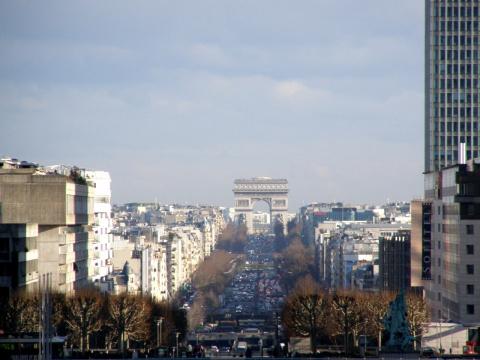 Париж. Триумфальная Арка (вид из квартала Дефанс)