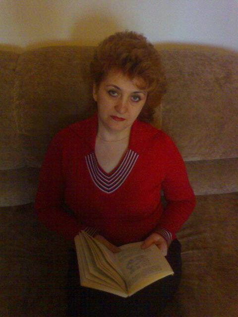 Лена Комаровская