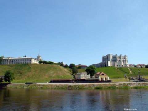Вид на Новый замок и драмтеатр
