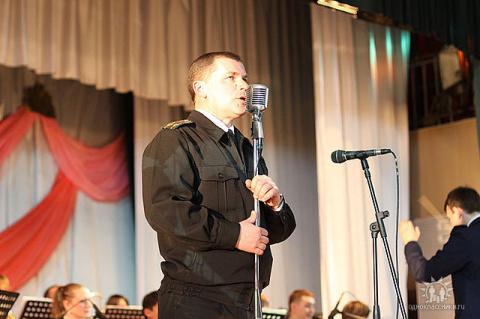 Хорист - Андрей Рычков.....солирует...