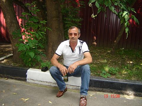 Анатолий Бахмутарь