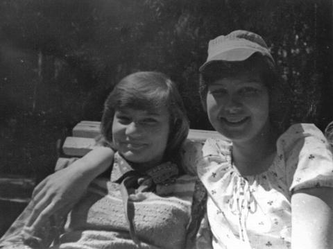 1978 Шмелёва Света и Сонина Галя
