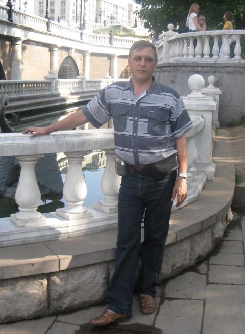 Анатолий Коряк