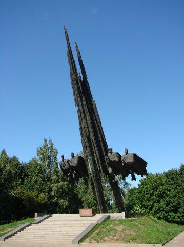 Памятник советско-польскому братству по оружию