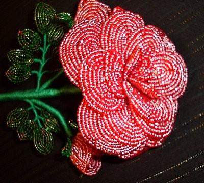 Букет из розы из бисера схема
