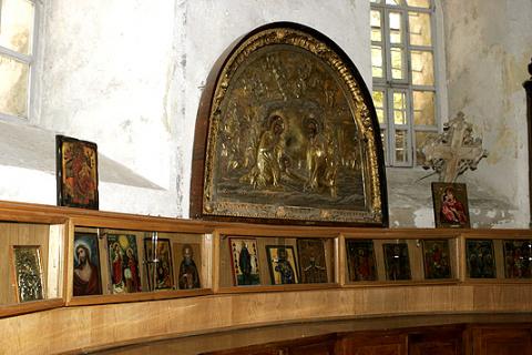 Внутренний вид алтаря храма Рождества Христова в Вифлееме