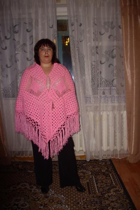 Розовая шаль в крупные ромбы- заказ.