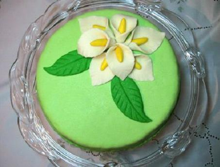 Торт покрытый  сахарной мастикой