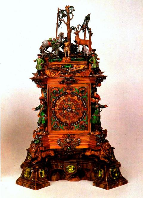 Часы со святым Губертом