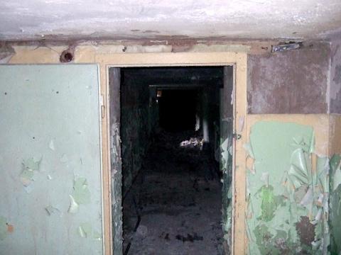 Внутри школы - подвал