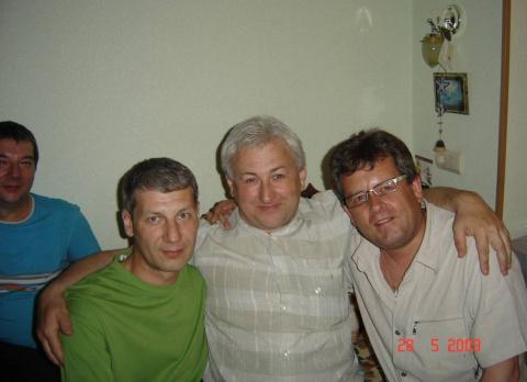 Братья Поляковы (Константин и Александр), Гарос Юрий и Стуков Владимир. Перед распиванием...