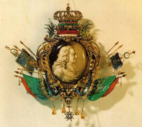 Картуш с портретом Августа Сильного на медальоне