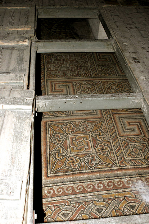 Древняя мозаика в храме Рождества Христова в Вифлееме