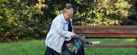 Дошли до дна: кризис заставил российских пенсионеров отказаться даже от еды!