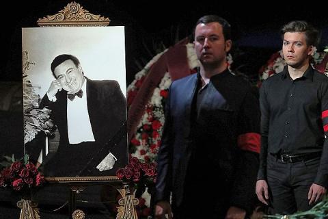 После прощания в Большом театре тело Зураба Соткилавы отправится в Грузию