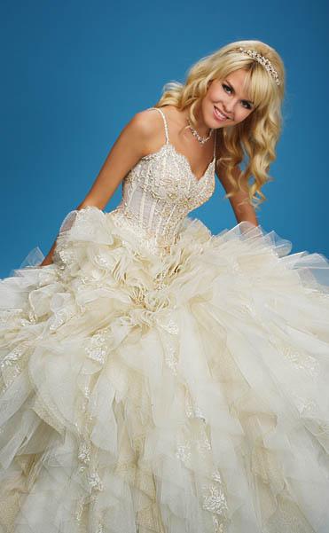 Свадебные платья с узким жестким