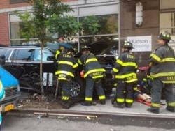 В центре Нью-Йорка автомобиль врезался в толпу людей